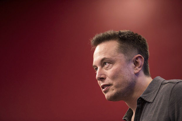 1538049643_elon_musk_bloomberg_david_paul_morris_241402892.jpg