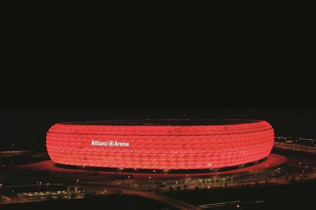 1560259019_allianz_arena_at_night_richard_bartz_58.jpg