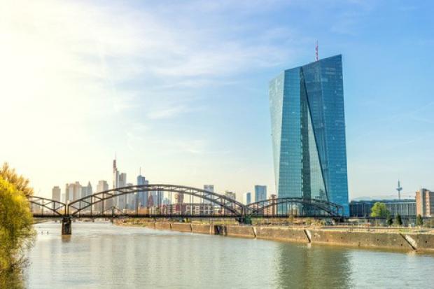 EZB behält Leitzins im Euroraum bei Null
